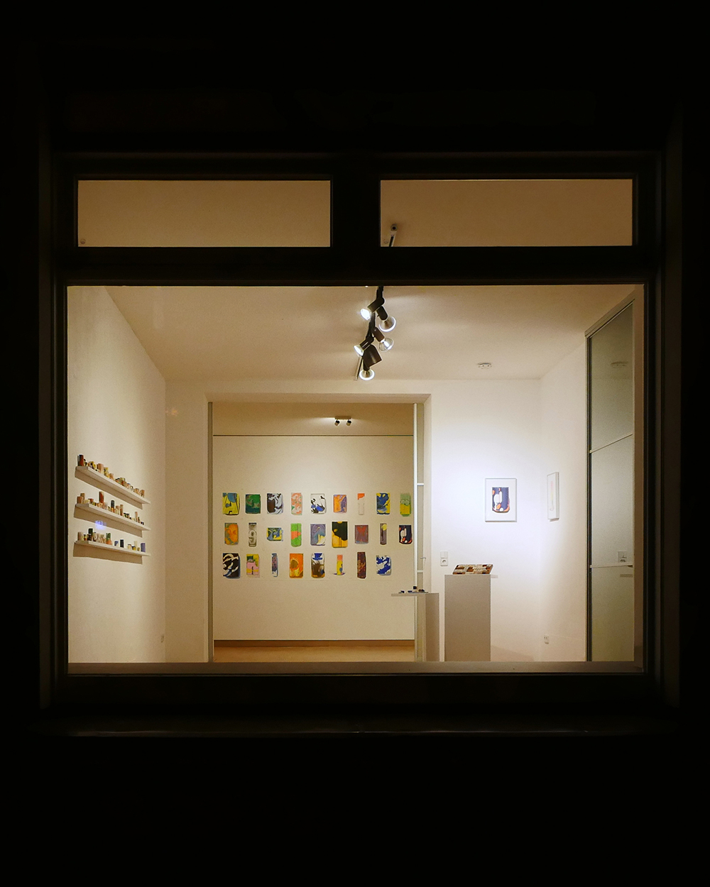 Installation view of 'Oncetype', Kelly Moonkyung Choi, 2020. Courtesy. einbuch.haus