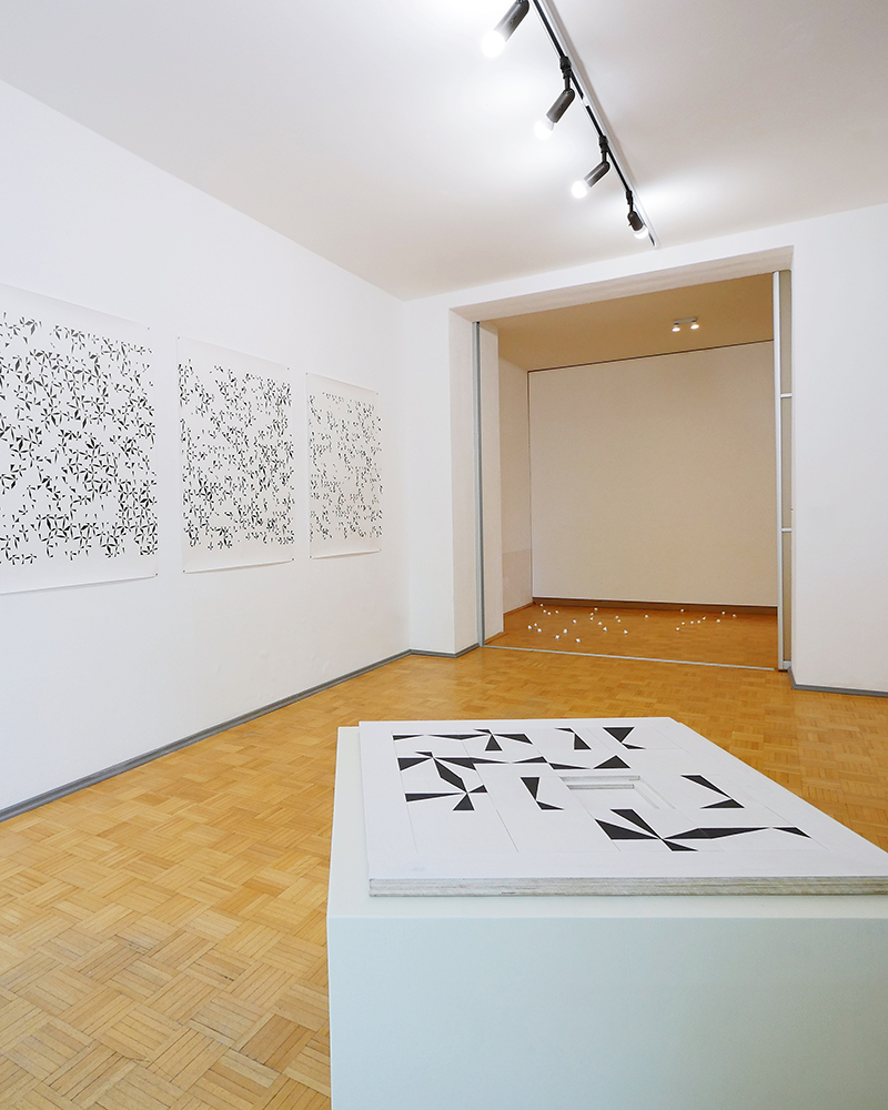 Exhibition View: Mareike Jacobi, The unexpected can occur as long as it follows the logic of things. einBuch.haus. 2021